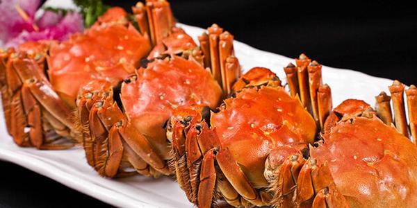 吃螃蟹的禁忌,这些食物不能一起吃哦!