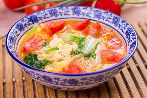 西红柿鸡蛋面的简单做法,都是家的味道