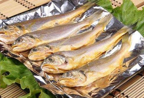 怎么做黄花鱼好吃?那些人不能吃黄花鱼?