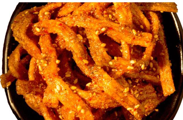 手工辣条拿面粉怎么做?怎么能做的既简单又好吃