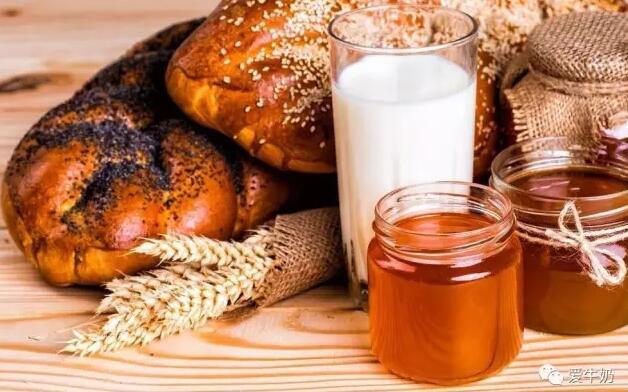 牛奶可以加蜂蜜一起喝吗?一起吃会有什么副作用吗