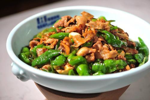 辣椒炒肉的湖南做法,明星同款哦!