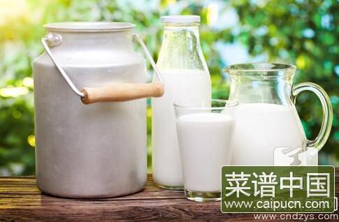 牛奶保质期小常识,过了保质期的牛奶能不能喝要看这里