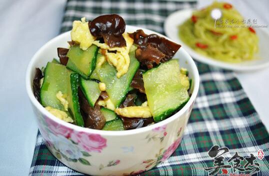 黄瓜木耳炒鸡蛋,开胃爽口的凉菜