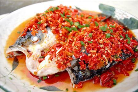 剁椒鱼头的做法,简单的大菜就应该这样做!