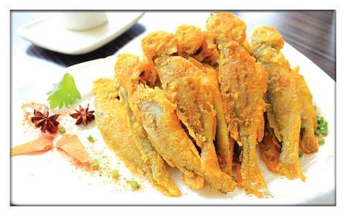 油炸小黄鱼,这样的技巧帮你炸出焦香酥脆的美味