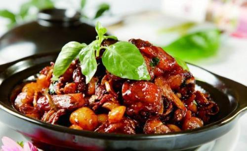 三杯鸡的做法,一份改良成台湾小吃的江西菜